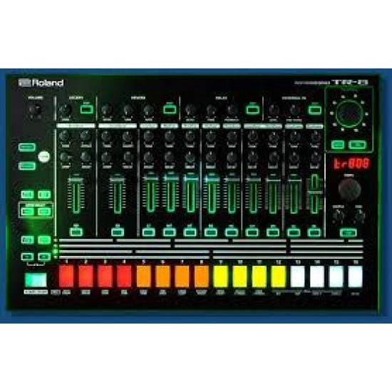 Roland Rhythm Performer - TR-8